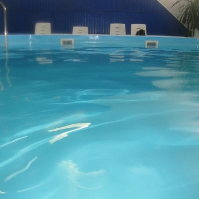 Состояние детей, отравившихся парами хлора в бассейне Петербурга, улучшается