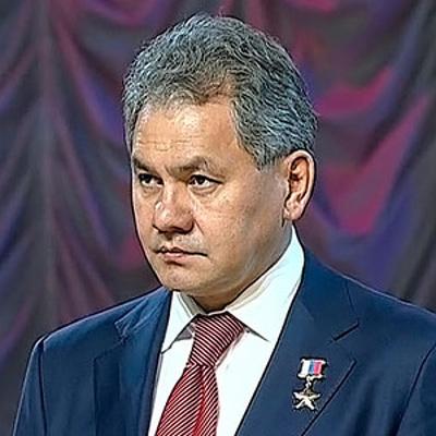 Министр обороны Сергей Шойгу осмотрел выставку новейшей авиатехники на аэродроме Кубинка