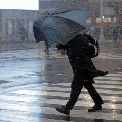 Непогода лишила света более 200 тысяч человек на юге России