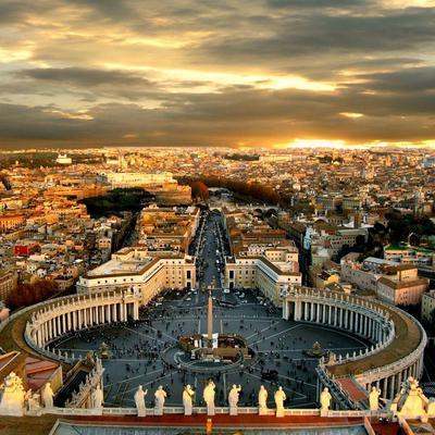 Власти Рима вводят штрафы до 500 евро за выброшенные на улице маски и перчатки