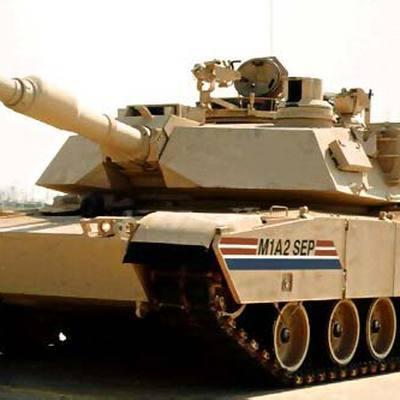 На военной базе в Калифорнии загорелся танк-амфибия