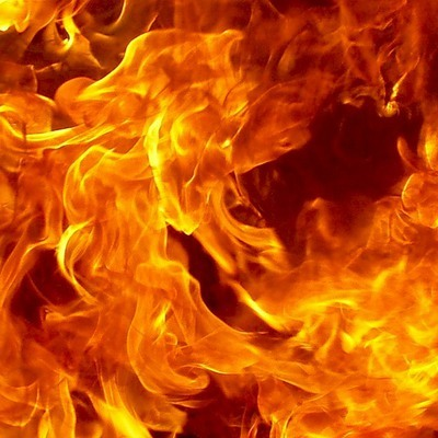 53 тонны воды сбросила авиация МЧС на горящий в Удмуртии бывший военный полигон