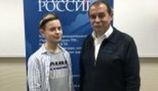 "Фото Александра  Рублёва и его педагога    В.И.Пушкарёва. Фото сделано на ""Радио России"""