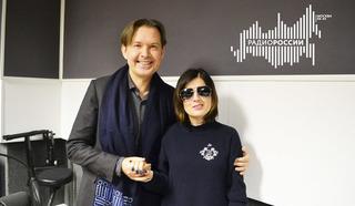 Народный артист России певец Олег Погудин и ведущая Диана Гурцкая