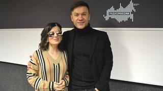 Ведущая Диана Гурцкая и  певец и актёр Дмитрий Ермак