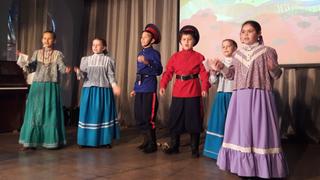 Выступление юных участников Российской детской фольклорной Ассамблеи (2019). Фото Ирины Ушановой