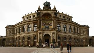 Дрезденская государственная опера (оперой Земпера)  /ru.wikipedia.org/