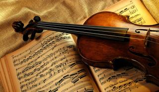 Скрипка. Ноты. Классическая музыка /фото: dsuz2587.mskobr.ru/