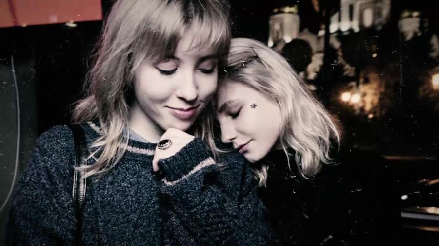 Девушки вешают подругу — 2