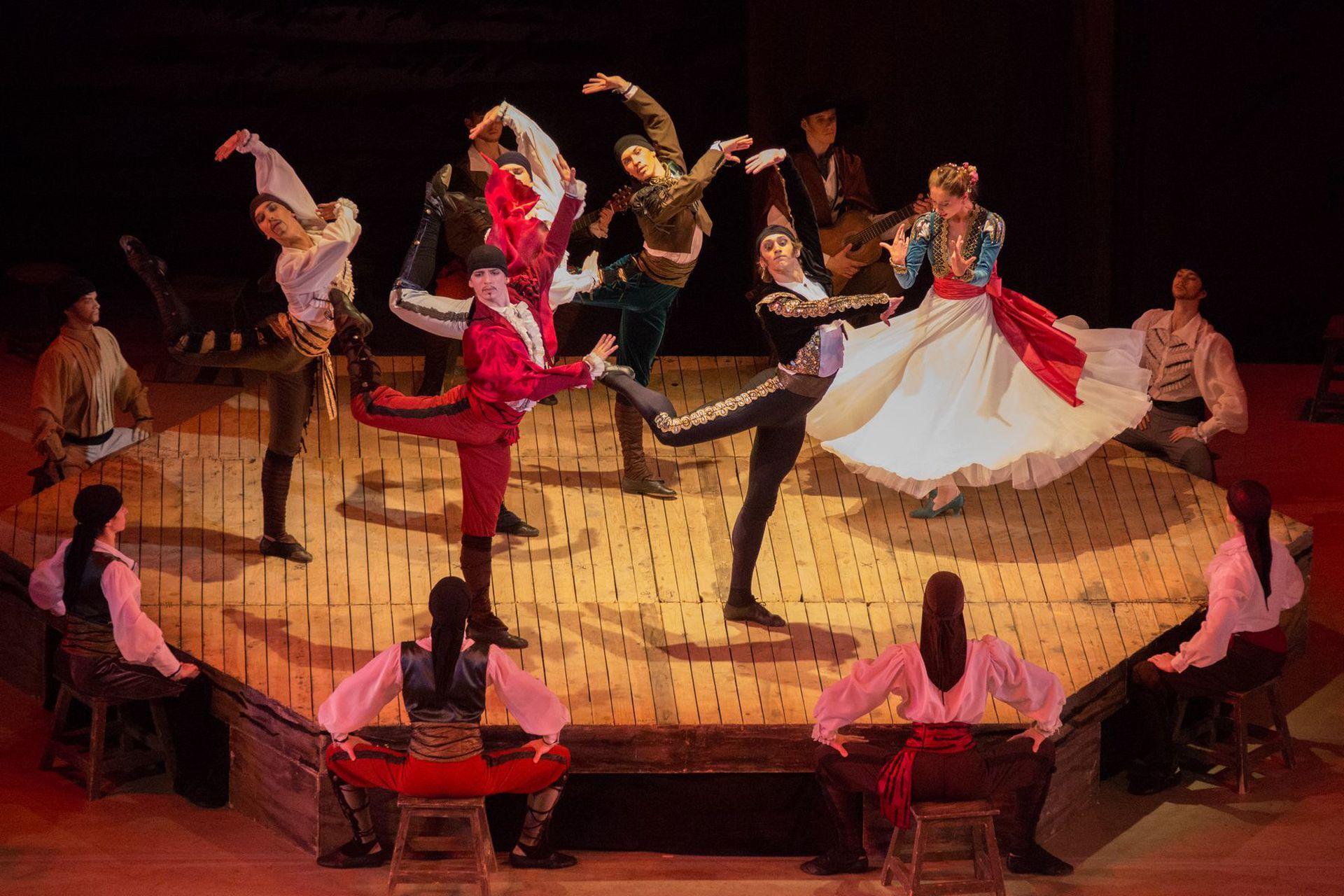 Выпускной вечер Академии русского балета им. А.Я. Вагановой в Мариинском театре