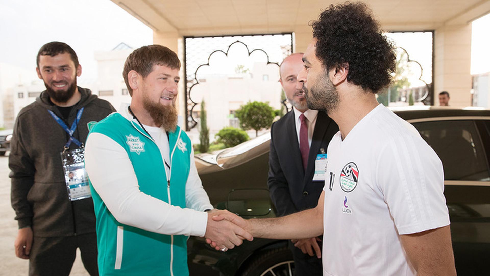 Форвард сборной Египта Салах стал почетным гражданином Чечни