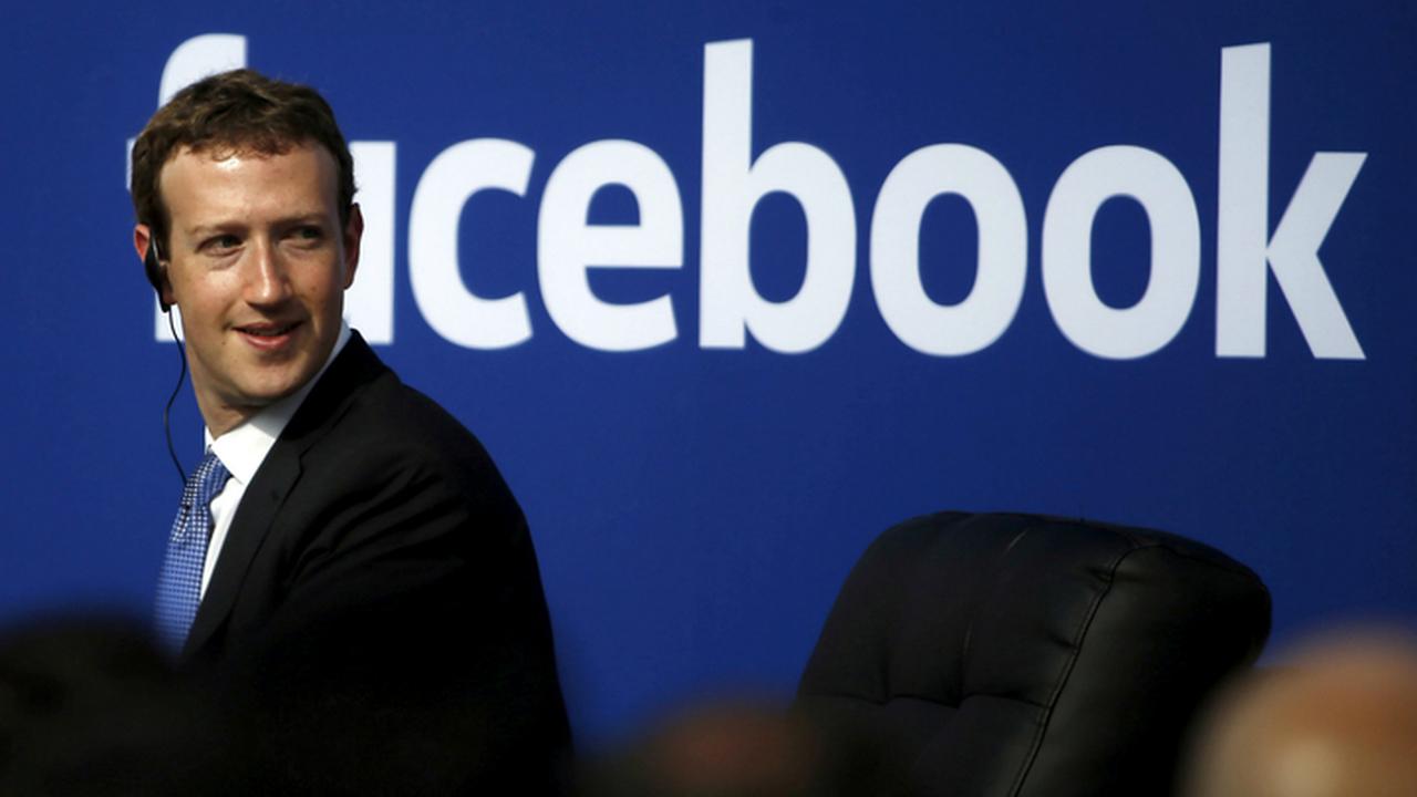 Facebook и Google ищут специалистов по взаимодействию с властями РФ