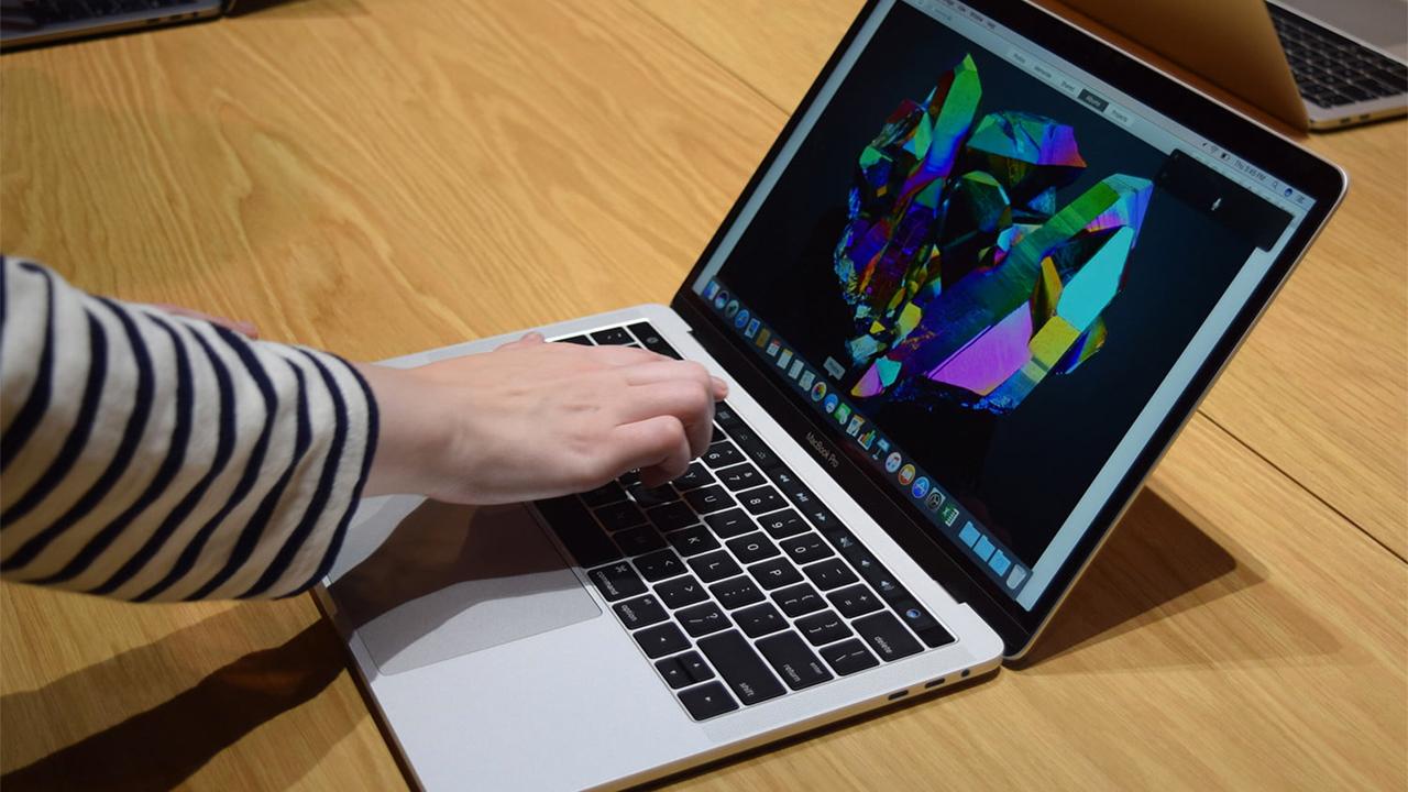 Apple установит ARM-процессоры в три новых «мака»