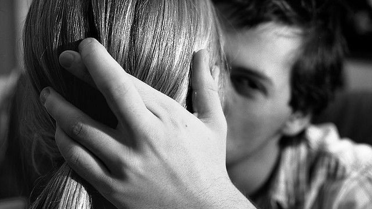 Психологи объяснили женскую измену
