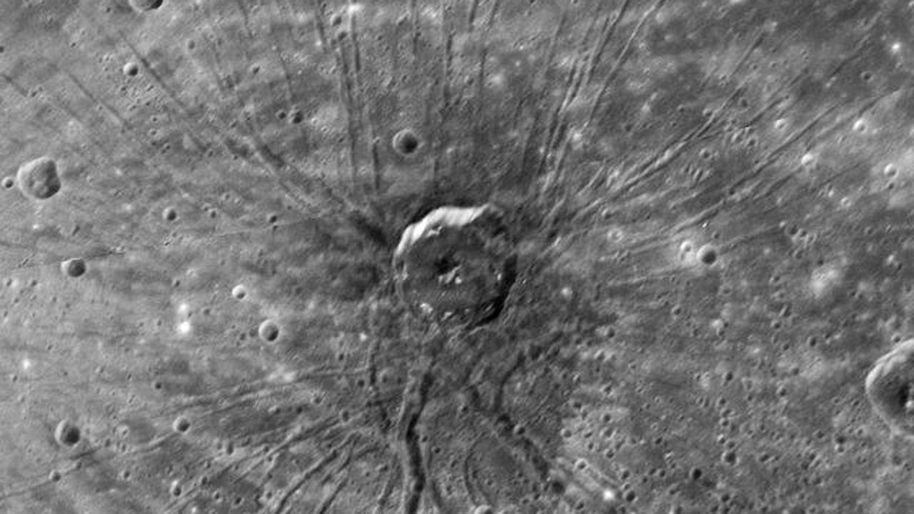 """Меркурий сделал """"подтяжку лица"""" миллионы лет назад"""