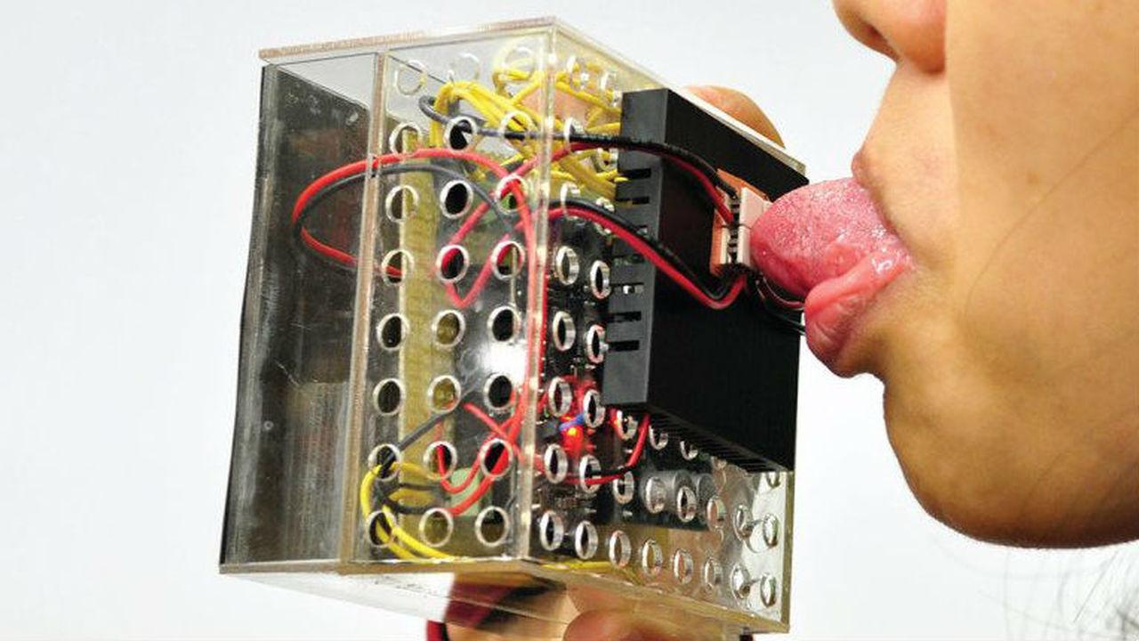 Виртуальная пища приобретёт вкус и консистенцию благодаря необычным устройствам