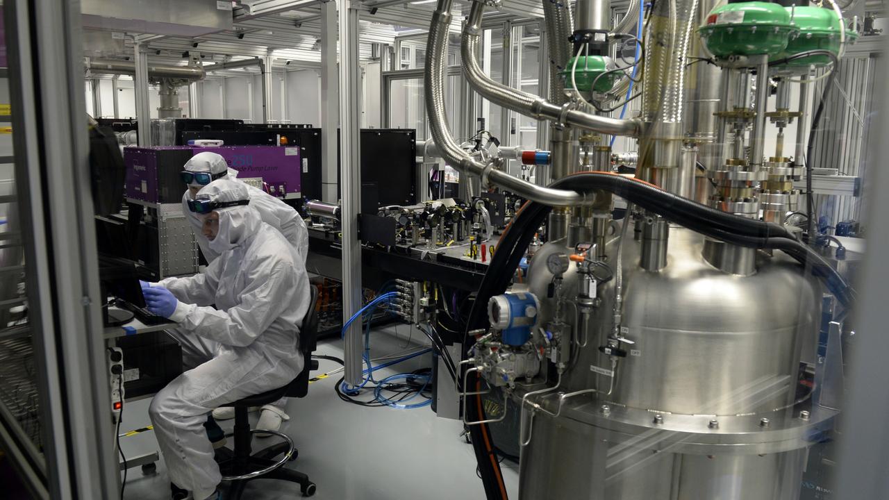 Чешско-британский суперлазер побил все рекорды мощностей