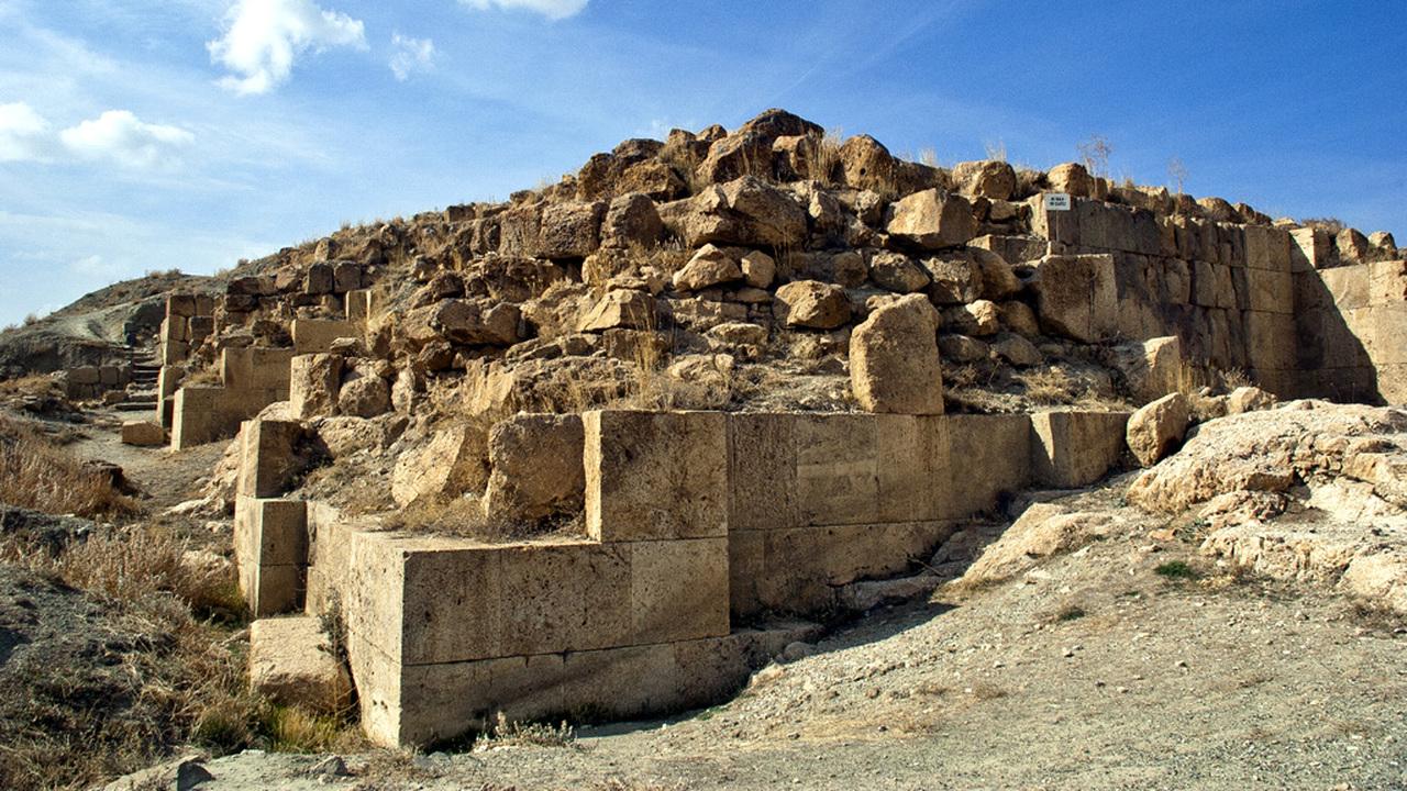 Лошади Урарту: турецкие археологи рассказали о беспрецедентной находке возрастом 2800 лет
