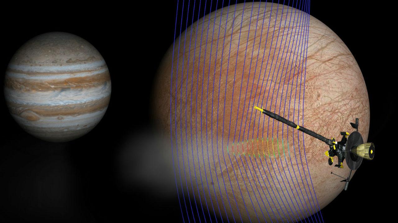 Астрономы доказали существование огромных гейзеров на спутнике Юпитера