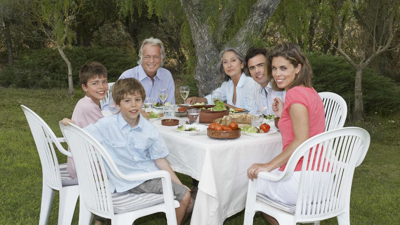 Убить двух зайцев: как научить ребёнка готовить и приучить к здоровому питанию