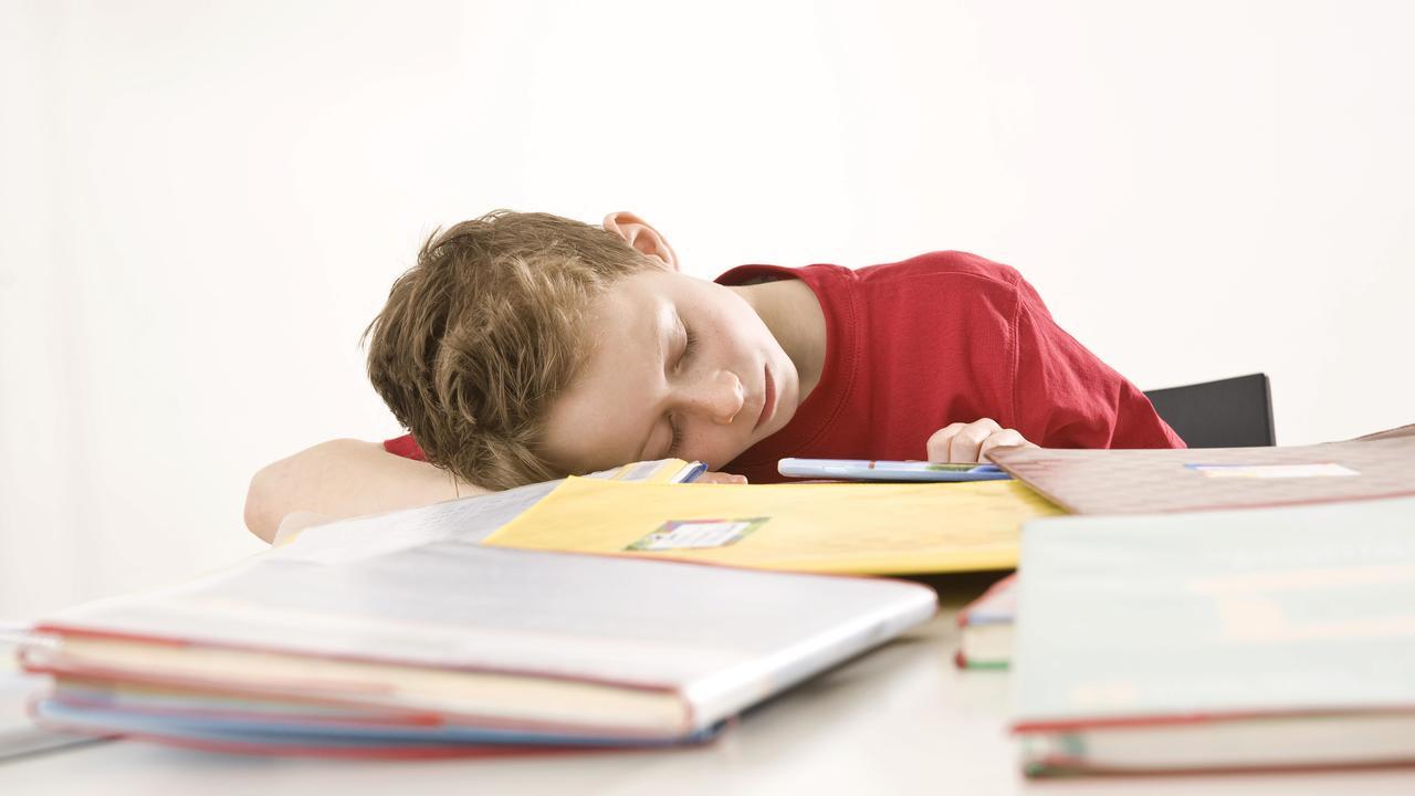 Более позднее начало уроков в школе помогает повысить успеваемость