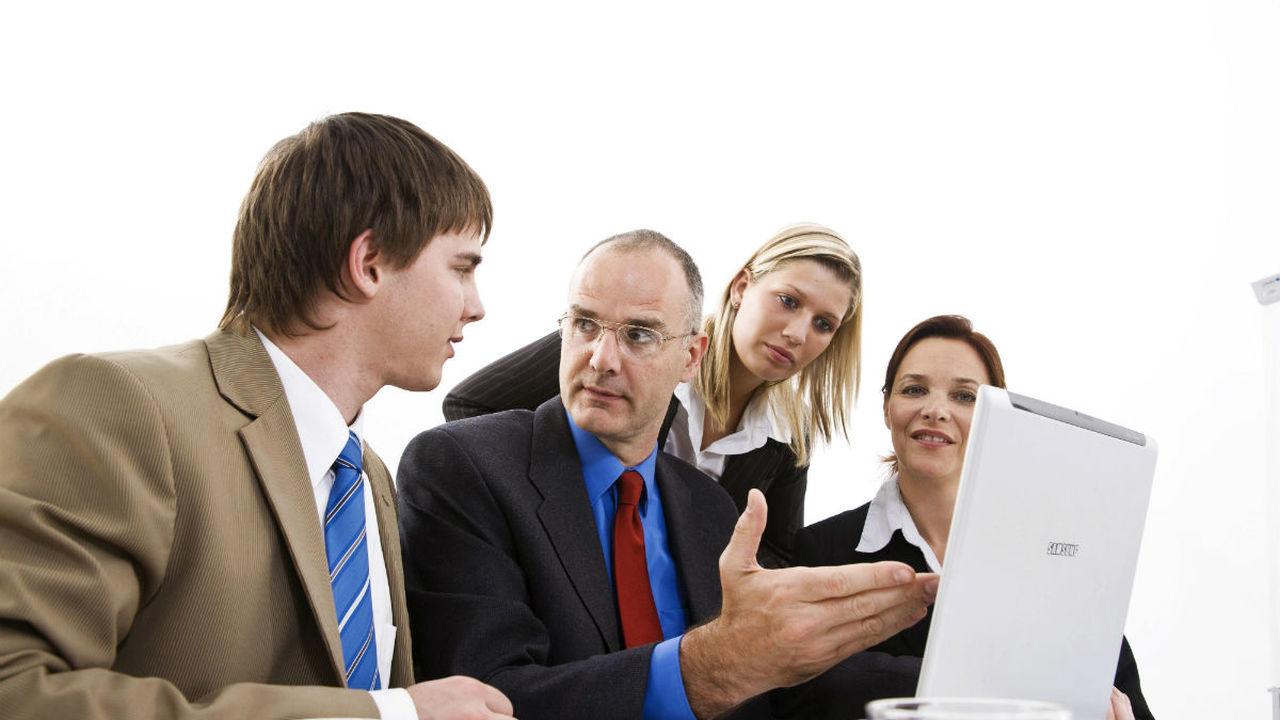 Психологи выяснили, чем грозит хамство коллег