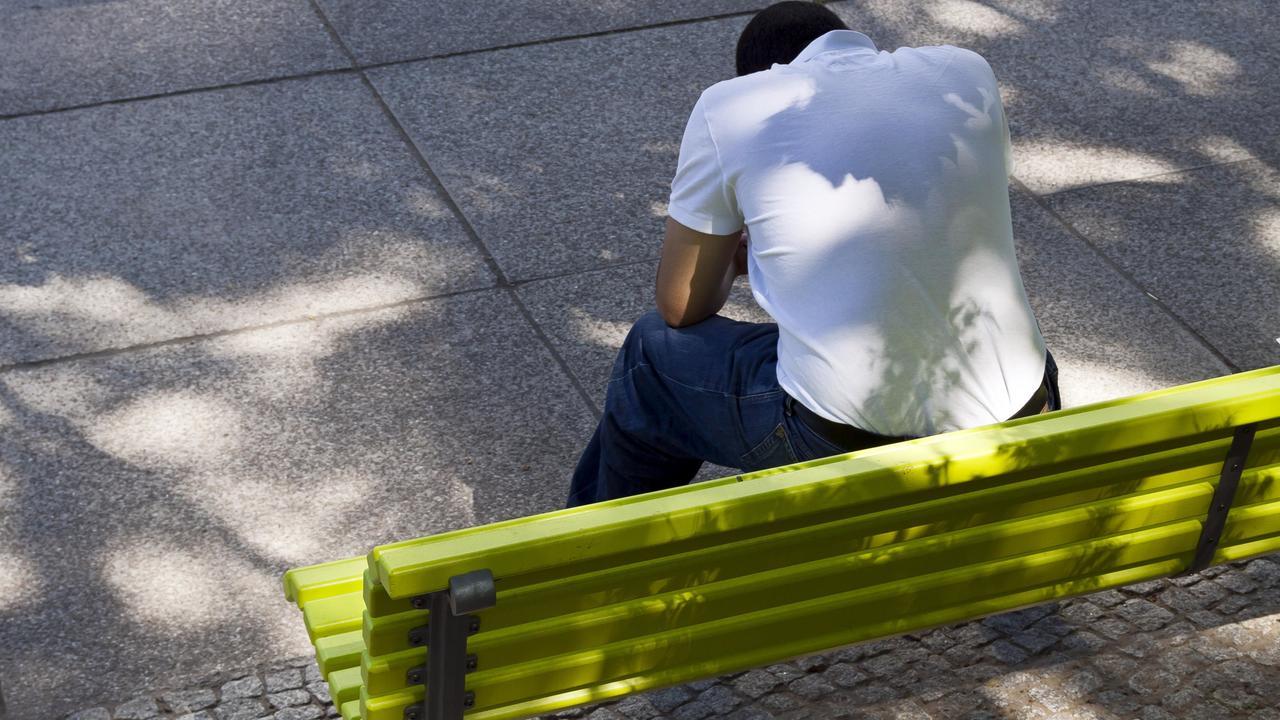 Послеродовая депрессия у отцов повышает риск её возникновения у их дочерей-подростков