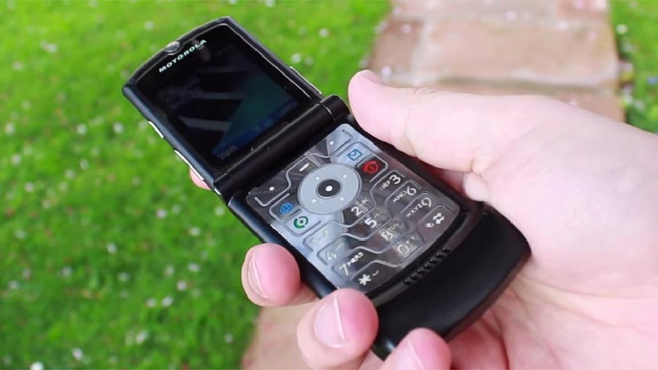 Motorola Razr возродят в виде складного смартфона