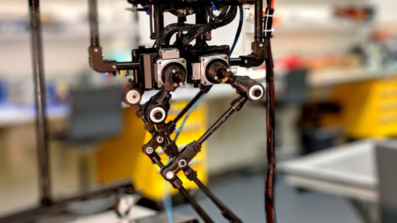 Карлсон вернулся: представлен робот, способный ходить, прыгать и летать