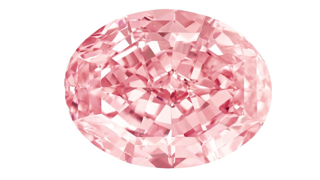 Лазер превратил углеродные волокна и нанотрубки в алмазы