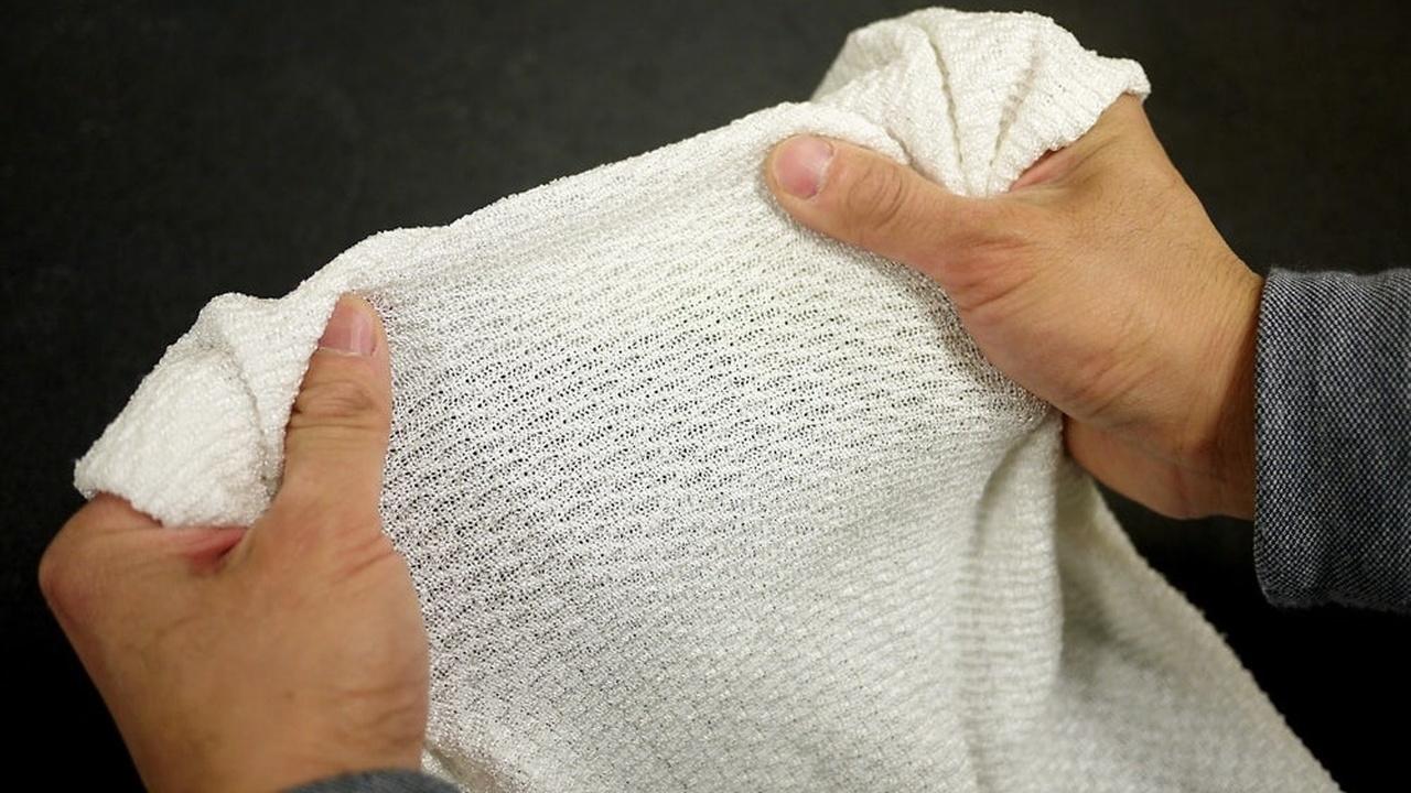 Новая чувствительная ткань охладит тело в жару и согреет в холод