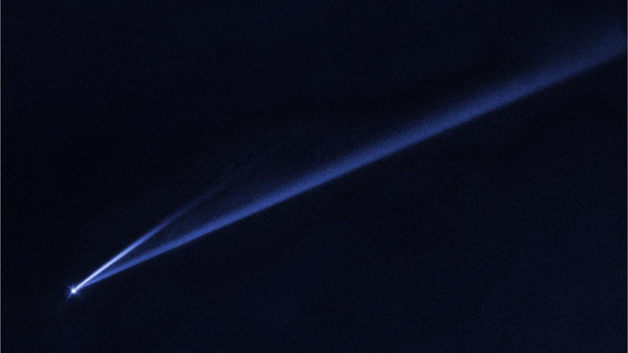 """Наблюдения """"Хаббла"""" позволили изучить уникальный распадающийся на глазах астрономов астероид"""