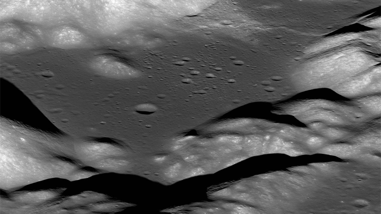 Остывает и содрогается: кора Луны меняется на глазах у астрономов