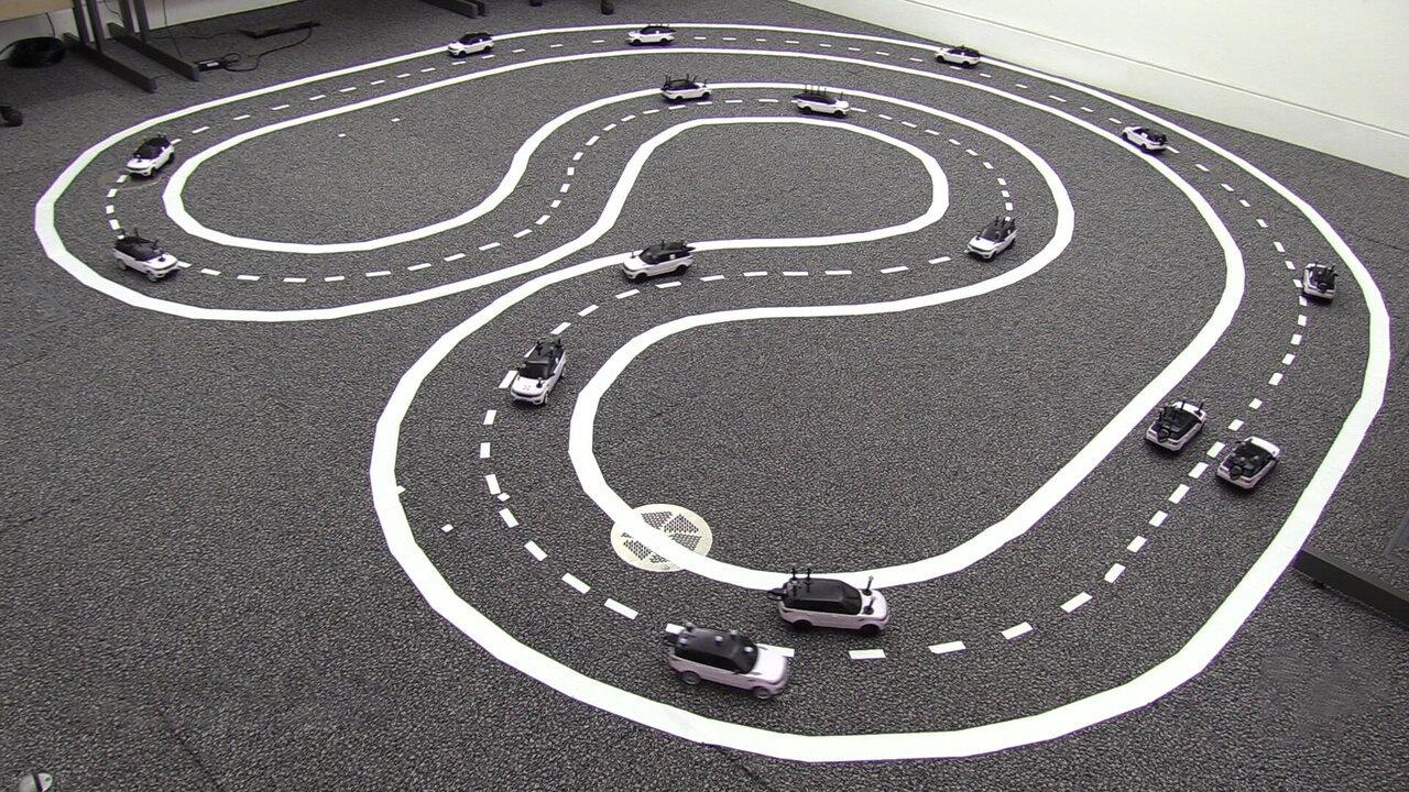 Сотрудничество беспилотных автомобилей уменьшает пробки на треть