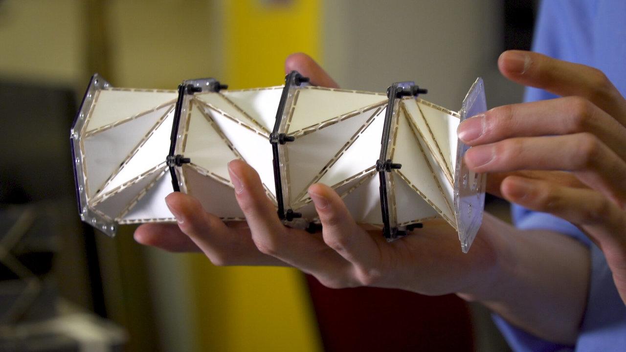 Пережить удар: оригами позволит смягчать посадку космических кораблей