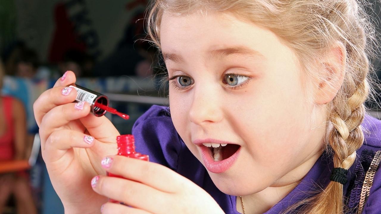 Подсчитали и ужаснулись: учёные выяснили, сколько детей травмируются из-за домашней косметики