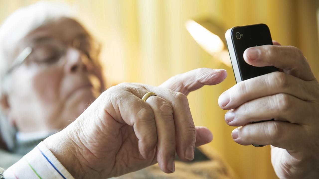 Способ блокировки смартфона выдаёт возраст его владельца