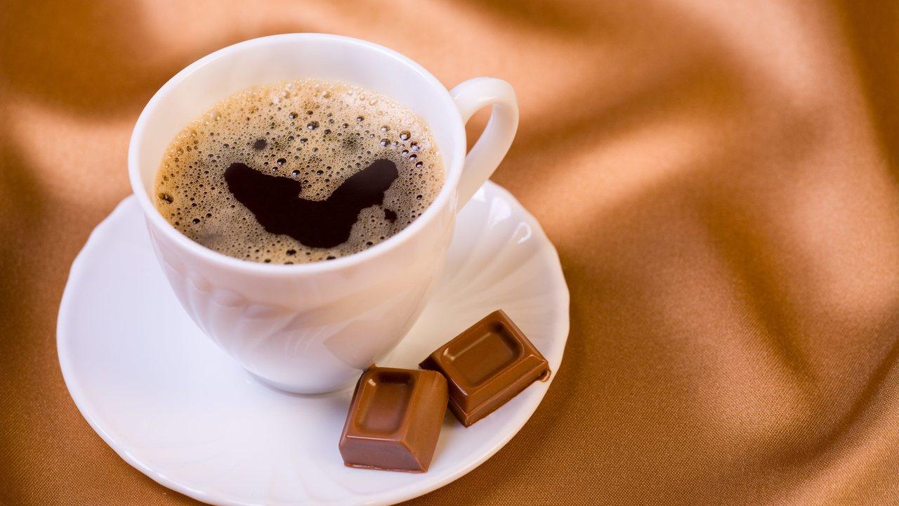 Специалисты выяснили, сколько чашек кофе в день могут довести до мигрени