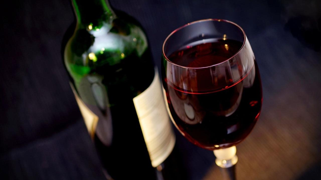 Красное вино улучшает здоровье кишечника и снижает риск ожирения