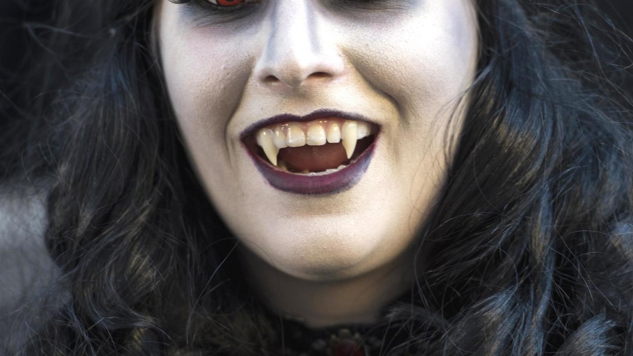 По симптомам из романов: медики поставили диагноз жертвам вампиров