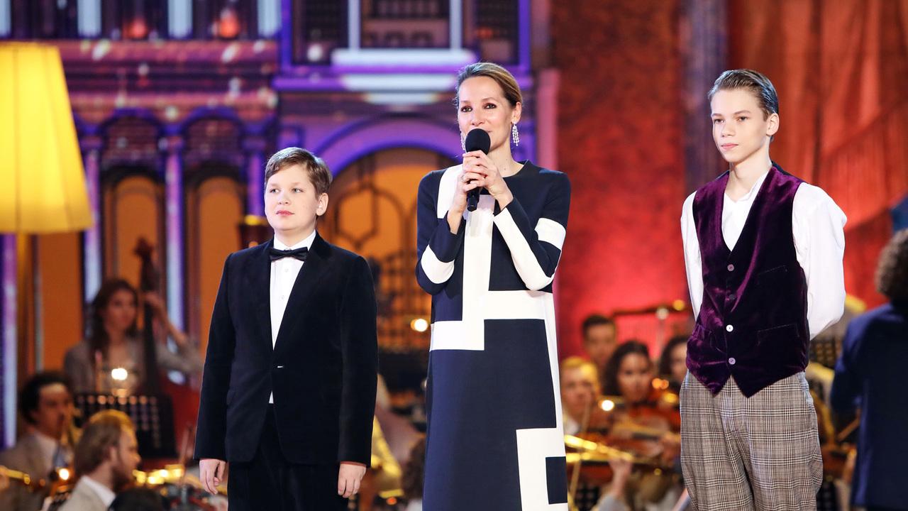 В третьем выпуске нового сезона победу одержали виолончелист Богдан Ефремов и вокалист Александр Палехов