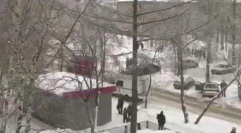 Поножовщина в пермской школе: пострадали учительница и 8 детей