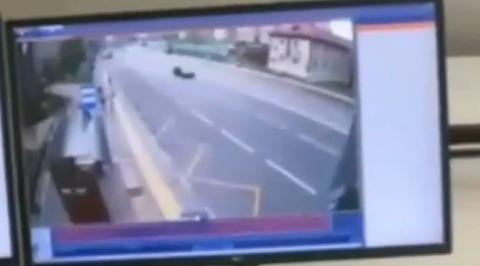 Резонансное ДТП с летальным исходом в Новой Москве попало в объектив камеры наблюдения