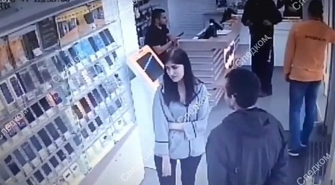 Новосибирец выстрелил в продавца при задержании в салоне связи