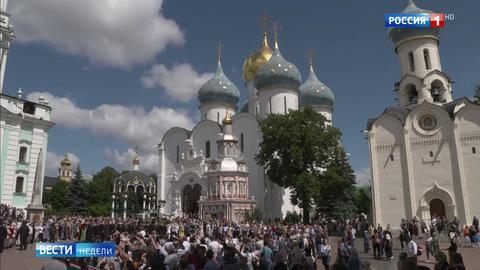 Православные отмечают  праздник Святой Троицы