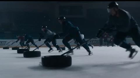 """Лёд 2. Музыкальный номер из фильма. """"Нас не догонят"""""""