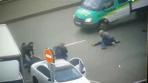 Закончившаяся стрельбой драка на юго-востоке Москвы попала на видео