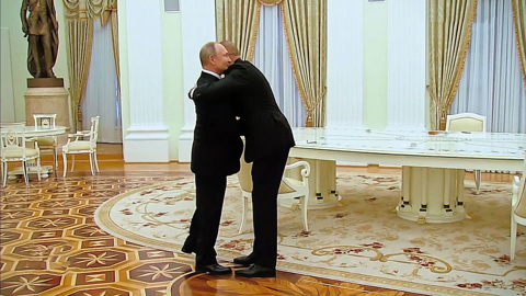 Москва. Кремль. Путин. Путин встретил Алиева и Пашиняна объятиями