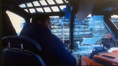 Вести. В Омской области разнорабочего убило бревном на стройплощадке