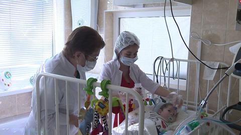 Вести. Врачи в Кабардино-Балкарии борются за жизнь девятимесячного мальчика